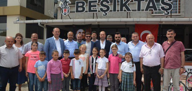 Biga Beşiktaşlılar Derneği'nden öğrencilere bisiklet