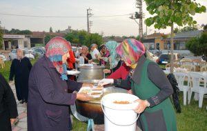 Mumcu Ailesi'nden Çeşmealtı'nda iftar