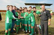 Biga'nın Yeniçiftlik Köyü'nde Mevlid-İ Nebi Haftası nedeniyle düzenlenen kupanın sahibi Çiçeklidedespor oldu.