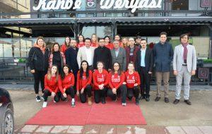 Erdoğan'dan, Çiçeklidedespor Voleybol Takımına Kahvaltı