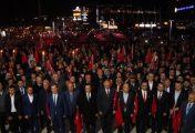 Bigalılar 250 metrelik Türk Bayrağı ile birlik mesajı verdiler