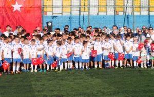 Bigaspor Yaz Futbol Okulunun kapanışı törenle yapıldı.