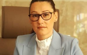 Yeşim Karadağ AK Parti'den istifa etti