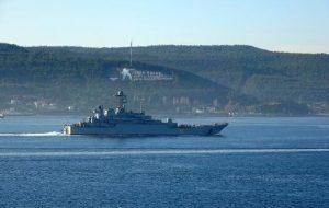 Rus savaş gemisi Azov, Çanakkale Boğazı'ndan geçti