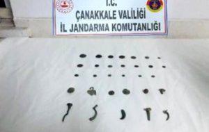 Kozçeşme Köyün'de kaçak tarihi eser satmak isteyen şahıslara operasyon