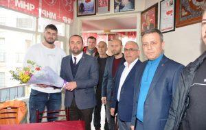 Şahin'den MHP ilçe teşkilatını ziyaret etti