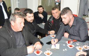 MHP İlçe Başkanı Kahve'de Vatandaşlar'la Bir Araya Geldi.