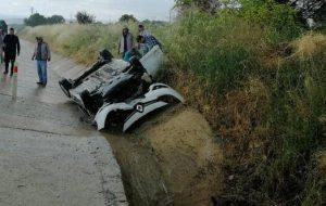 Otomobil takla atıp, kanala devrildi, sürücü ağır yaralandı