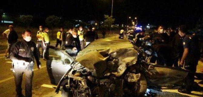 Sivil polis aracı ile otomobil çarpıştı: 1 polis şehit, 1 astsubay hayatını kaybetti